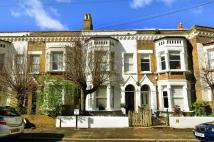 Flat for sale in Brixton Hill...