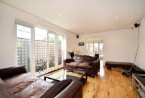 Pulross Road Flat for sale