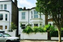 3 bed Flat in Haycroft Road, Brixton...