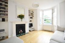 1 bed Flat to rent in Bellefields Road, London...