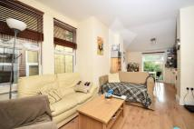 4 bed Flat to rent in Kingswood Road...