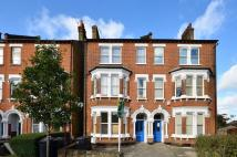 2 bedroom Flat in Rollscourt Avenue...
