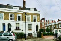 Flat to rent in Trinity Gardens, Brixton...