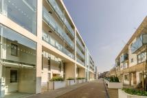 Flat to rent in Printers Road, Stockwell...