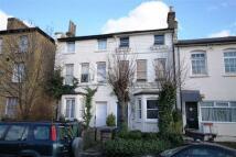 1 bedroom Flat in Pembroke Road...