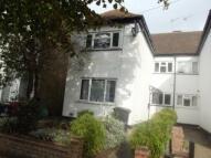 Flat to rent in Queens  Grove Road...