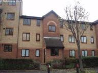 1 bedroom Flat to rent in Viking Close, Leyton