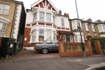 1 bedroom Flat in Goldsmith Road, Leyton