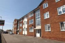 Flat to rent in Hale Court...