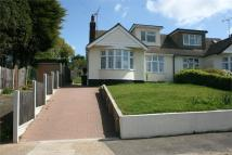 Chalet to rent in Chiltern Close, RAYLEIGH...