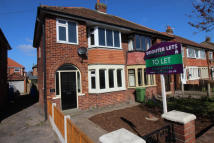 3 bedroom End of Terrace house to rent in Ascot Road...