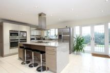 5 bed Detached house in Chartridge Lane...