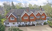 7 bedroom Detached house in Templewood Lane...