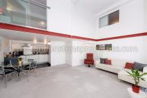 3 bed Flat for sale in Cadogan Road, London...