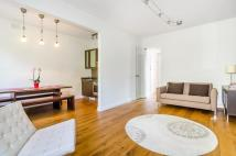 1 bedroom house in Sussex Gardens, London...