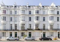 2 bedroom Apartment in Gloucester Terrace...