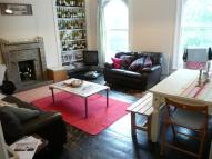 Flat to rent in Lavender Hill, London...