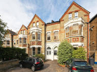 St. Margarets Road Apartment to rent
