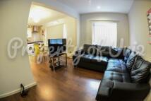 2 bedroom Flat to rent in Cranmer Street...