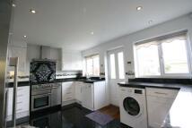 3 bedroom Flat in Oldfields Road, Sutton