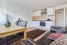 Flat to rent in Hereford Road, Bayswater...