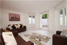 3 bed Flat in Christchurch Avenue...