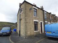 2 bedroom End of Terrace property to rent in Denbigh Street, Mossley...