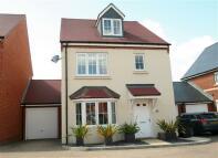 4 bedroom Detached property in Tadley, Hampshire