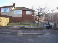 3 bedroom Semi-Detached Bungalow in Malvern Close, Shaw...