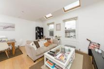 2 bed Flat in Homestead Road, London