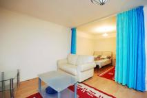 Studio flat to rent in Seagrave Road, London