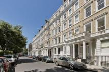 3 bedroom Flat to rent in Southwell Gardens, London