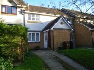 Town House to rent in Chaffinch Close...
