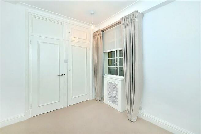 Bedroom in Sloane St