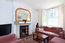 4 bed home in Mossbury Road, London...
