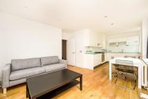 Flat to rent in Stanley Grove, London...