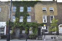 Town House for sale in New Road, E1