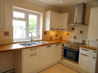 4 bed Detached house to rent in Queens Road, Crowborough...