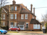 Studio flat to rent in London Road, Uckfield...