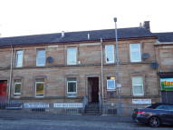 2 bed Flat to rent in Main Street...