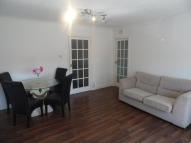 1 bedroom Ground Flat in Sutherland Avenue...