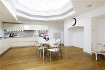 Apartment to rent in Vitali Close, London...