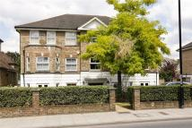 2 bed property in Upper Richmond Road...