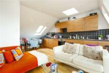 Flat to rent in Putney Bridge Road...