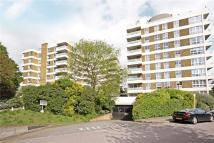 Flat to rent in Warwick Drive, Putney...
