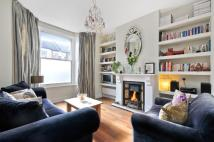 2 bed Flat to rent in Mortimer Road...