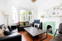 3 bed property to rent in College Road...