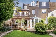 2 bed Flat in Brondesbury Road, London...