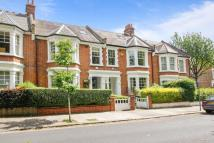 6 bed property in Kingswood Avenue, London...