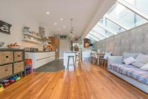 5 bed Terraced property in Burrows Road, London...
